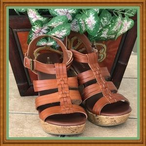 🌺🌴🌺 NWOT:  WOVEN BROWN WEDGES 🌺🌴🌺
